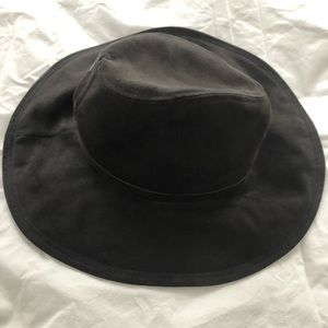 ZARA FALL/WINTER HAT - Never worn!